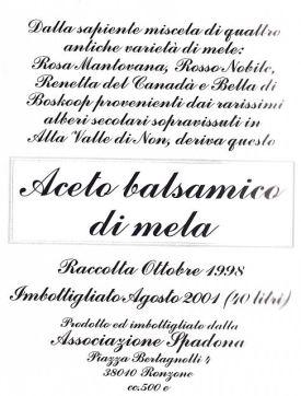 Etichetta dell'aceto balsamico di mela dell'Associazione Spadona, fonte: P. Odorizzi, S. Abram: Profumi e sapori perduti - Il fascino della frutta antica Vol. I (2001)